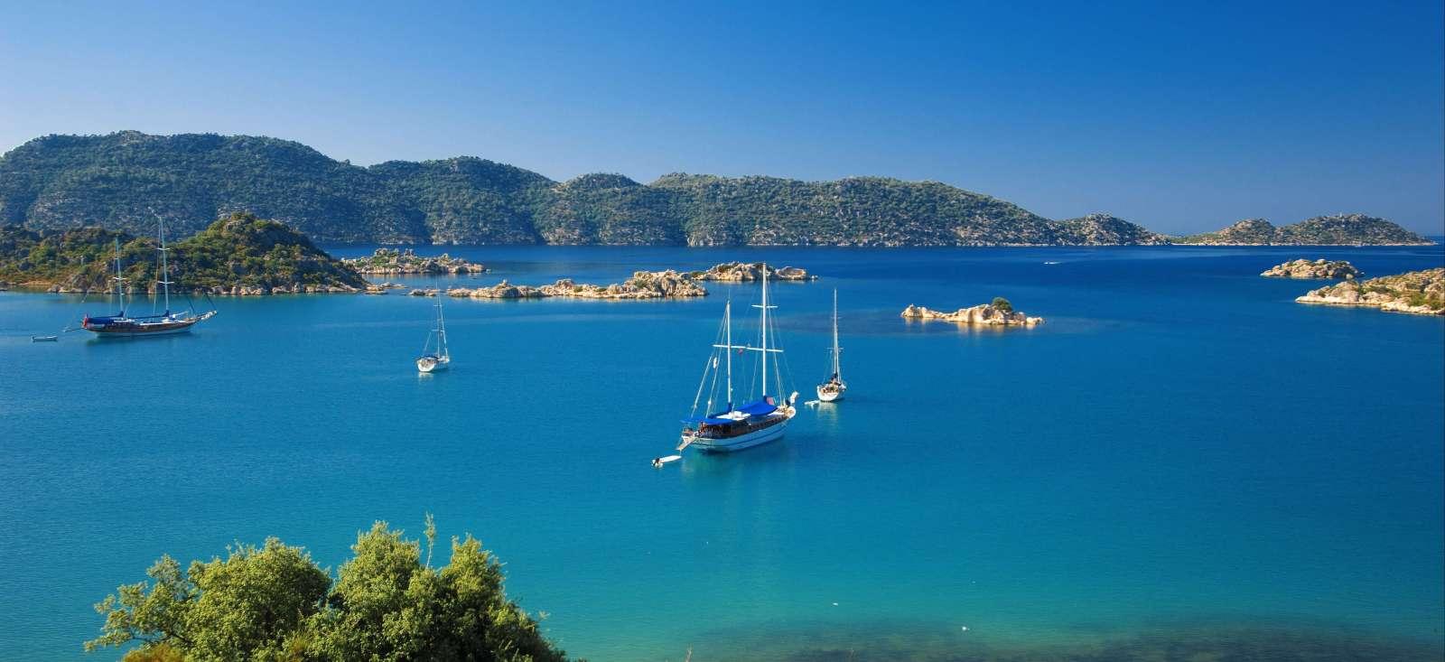 Voyage à pied : Rando-bateau en mer turquoise