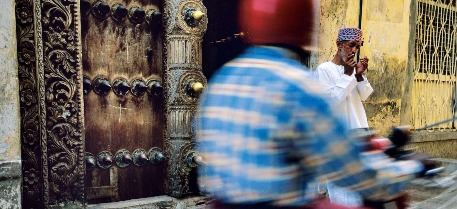 Voyage à pied : Découverte de Zanzibar en Vespa !