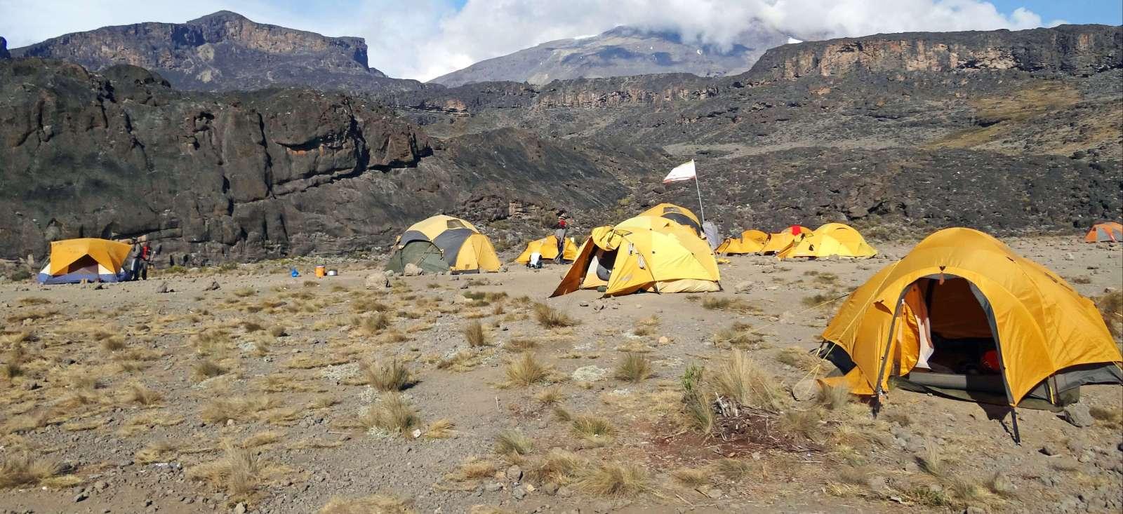 Voyage à pied : Kili kili kiliii, le sommet des trekkeurs en culotte courte