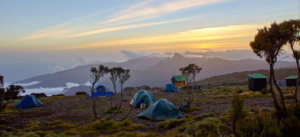 Rando Kilimandjaro, Trek Dans Le Cratère De Lu0027Empakaï U0026 Safari Dans Le  Cratère