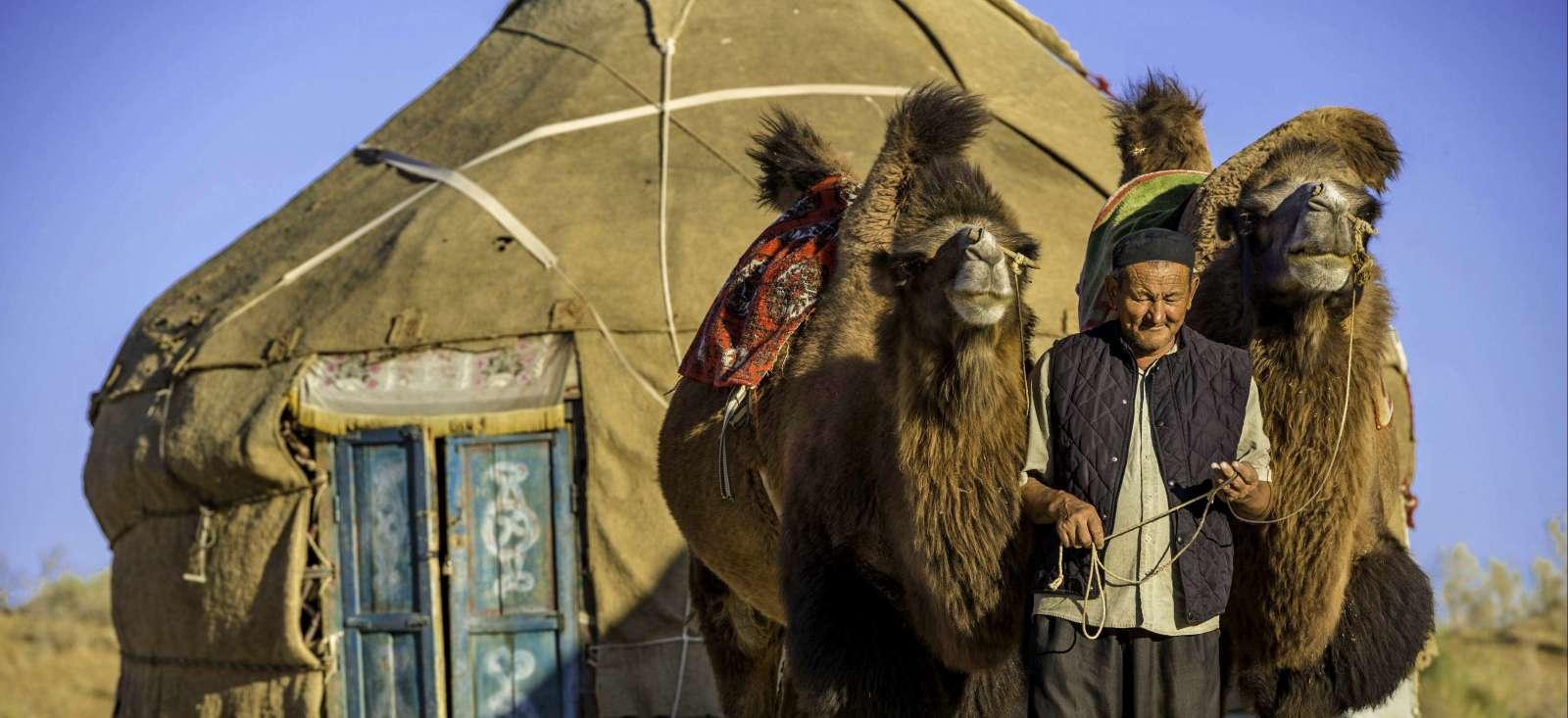 Voyage à pied : D\'Ouest en Est : l\'Ouzbékistan en grand!